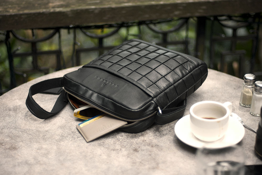 Bolinder Messenger Bag at breakfast at planning the day